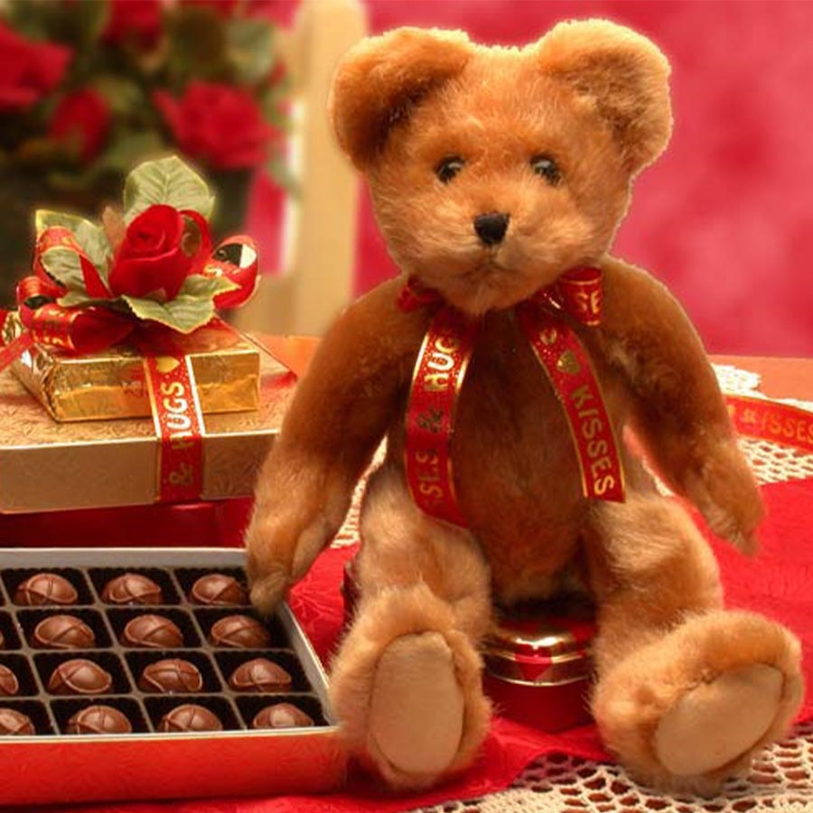 Teddy Bear and Chocolates | Gifts for Her | Arttowngifts.com