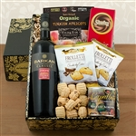 Kosher Certified Gift Box with Cabernet Sauvignon combined with tasty snacks.
