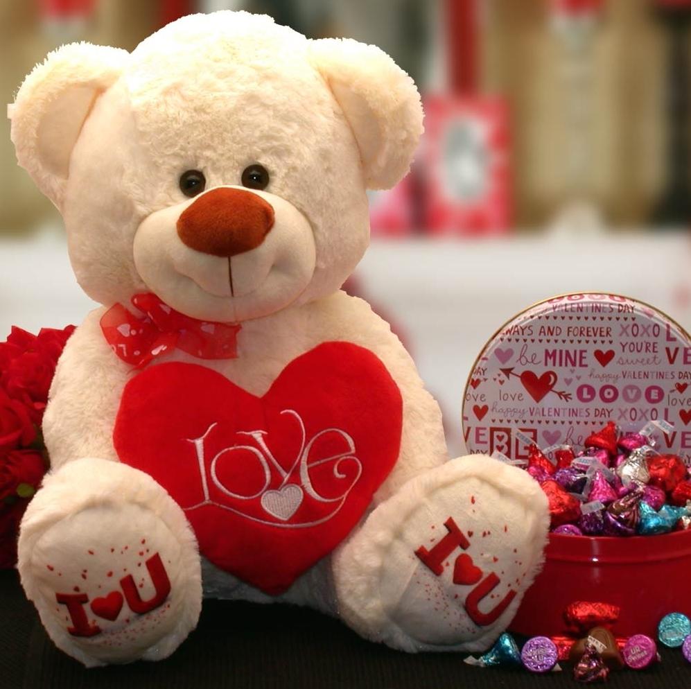 Kisses Valentine Teddy Bear Gift Set