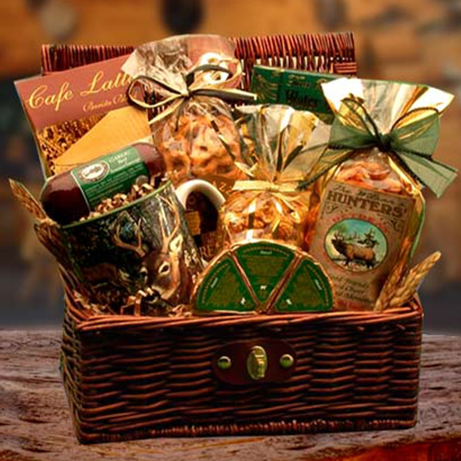 A woodlands themed mug and a collection of gourmet goodies for any hunter. #gift