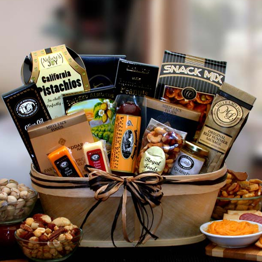 For that special someone that loves nuts, meats and cheeses! This unique split wood container holds a gourmet assortment of fine nuts, gourmet sausages and delectable cheeses. Perfect for your Dad on his special day or a college student during exam week. #gift