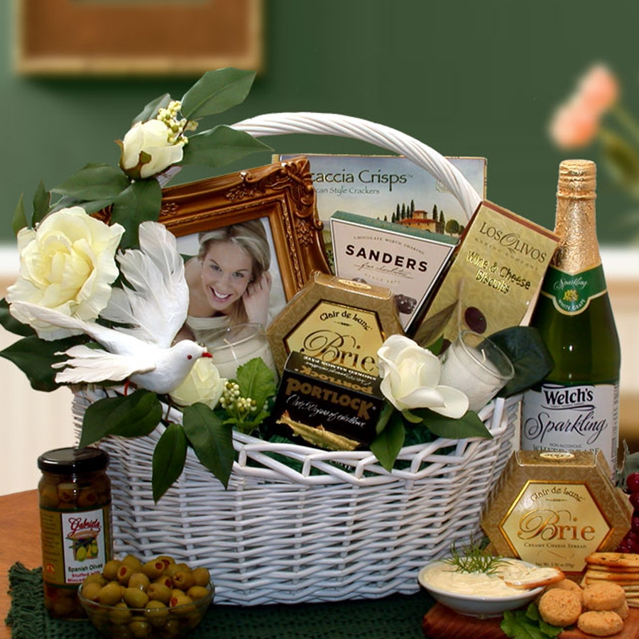 Perfect Gift for that Special Couple! Wedding Wishes come true with this great gift! Start the Lovers off right with this Gourmet wedding gift basket. It's sure to bring high praises not only from the Bride & Groom, but from the in-laws as well. Congratul #gift