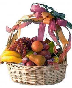 Our impressive large willow basket arrives filled with a selection of fresh seasonal fruit and assorted cheeses. The fruits may include pears, apples, grapes, oranges and bananas. Exact basket and fruit selection may vary by season and delivery location. #gift
