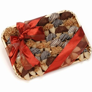 A gift tray with 36 fortune cookies in choice of Belgian chocolate dips or caramel with customized messages for all occasions.